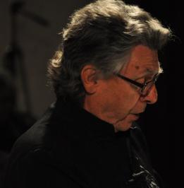 """Philippe est concentré, ayant chanté sur toute les scènes internationales, chanter la """"Petite Messe"""" mérite quand même une attention toute particulière."""