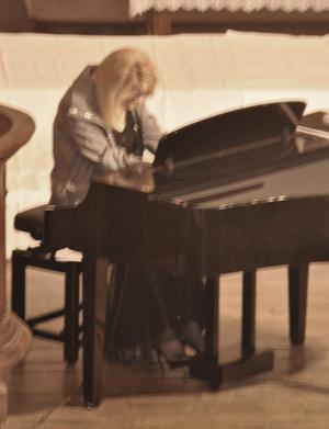 Dernier concert de Danièle au piano à Saint-Ybard en Corrèze
